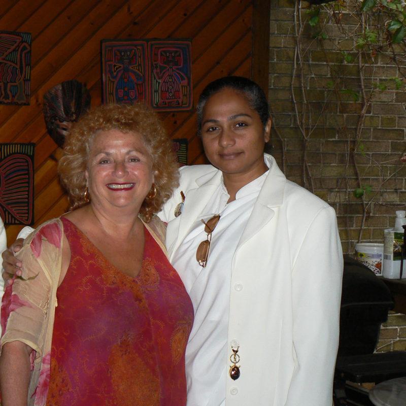 Lili Fournier & Indian woman