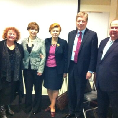 Lili with Panelists at Clinton Library